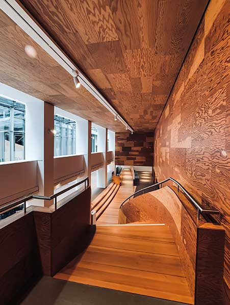 drevena_hala_hotelu Obchod Podlahy 👍 - Dodávka a pokládka podlahových krytin na klíč - Renovace podlah parket prken