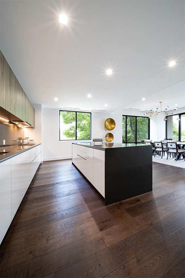 podlaha_v_kuchyni Obchod Podlahy 👍 - Dodávka a pokládka podlahových krytin na klíč - Podlaha v kuchyni - kde začít